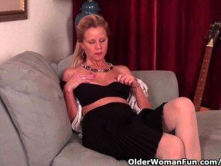 Dama Madura Con D Tetas Taza Necesita Bajar En Pantyhose