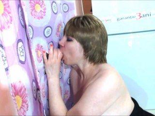 Gloria Hoja De Agujero Hot Blow Job Con Gran Cumming En Sus Tetas