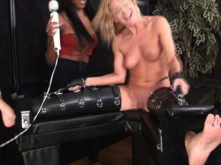 Marie Cosquillas Desnudas