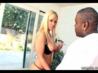 Esta Milf Necesita Dick Negro!
