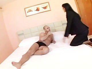 Sexy Secretaria En Medias De Forma Inesperada Se Encuentra Con Su Jefe En Un Hotel