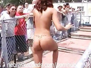 Al Azar Desnudos A Poppin Festival Video Part 2