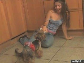 Striptease Adolescente En La Cocina