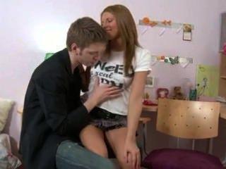 El Adolescente Ruso Ama Anal.