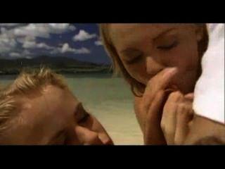 Sexo En La Playa Varada