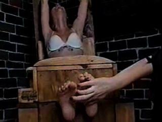 Cosquillas De Tortura