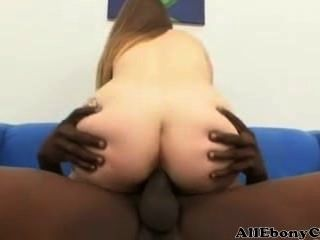 Busty Midget Mya Se Folla Por Una Gran Polla Negra