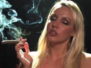 Cigarro Luz Partido Sexy