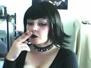 Hermosa Puta Gótica Fumar Más 120s