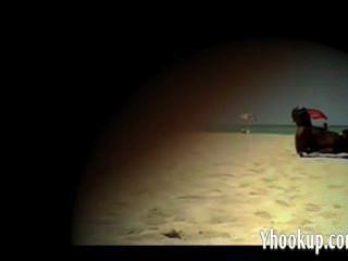 Esposa Lana Toman El Pelo En La Playa Desnuda Yho Agradable