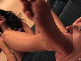 Señora Selena Pie Esclavo
