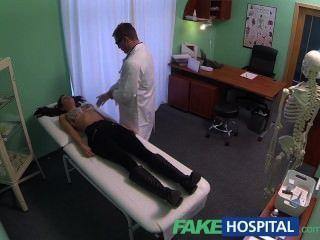 Fakehospital Joven Con Cuerpo Asesino Atrapado En La Cámara De Conseguir Follada