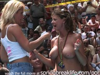 Concurso De Bikini Desnudo
