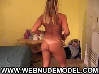 Rubia Nena Bailando Desnuda En Webcam