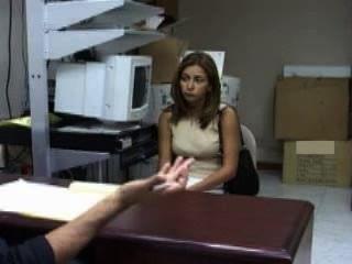 Margarita De Venezuela En Busca De Un Trabajo ... él La Toma?