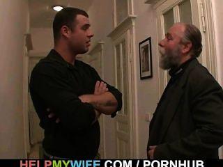 El Viejo Le Paga Para Follar A Su Joven Esposa