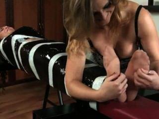 Cosquillas Presentación Mary Y Petra Tickling Video