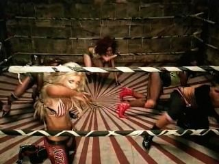 Christina Aguilera Video Tan Caliente Fue Dirigida Por Satan