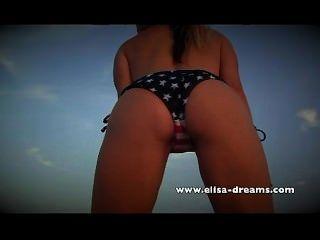 Desnuda Y Sucia Con Mi Enorme Sextoy Negro En La Playa