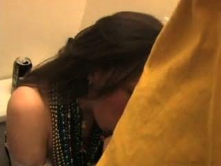 Esto Es Cómo La Muchacha Hermosa Pechugón Consiguió Embarazada Después De Que El Amor Del Partido Su Gatito