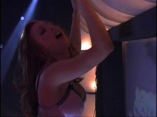 Hotties Sensuales Lesbianas Follando En El Escenario