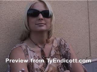 Elizabeth Del Mar Smoking Fetish Trailer