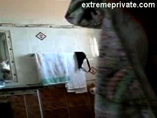 Cam Escondido Mi Mamá Desnuda En Nuestro Cuarto De Baño