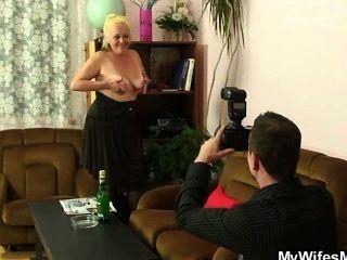 Ops, Su Esposa Encuentra Algunas Fotos Sucias ...