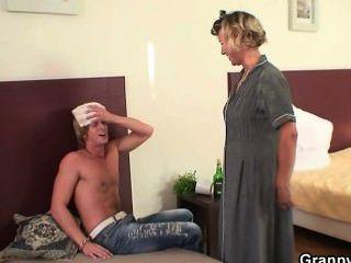 Sexo De La Mañana Con Mujer De Limpieza Madura
